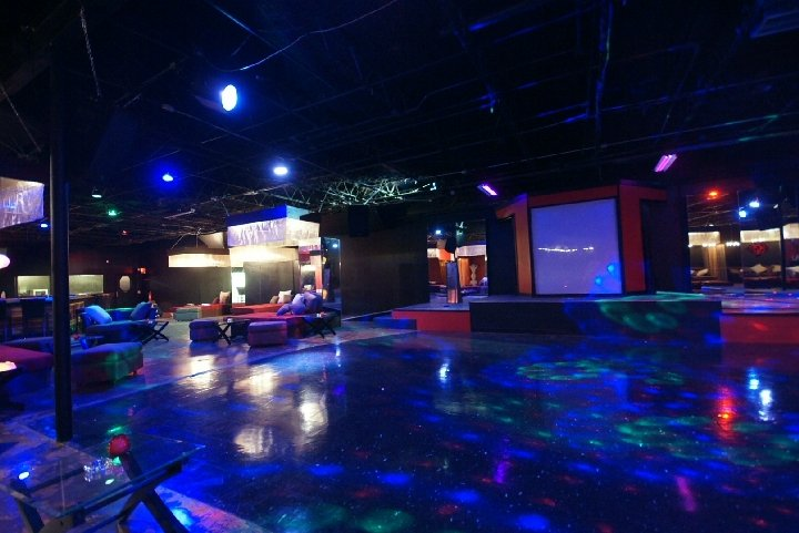 Escape strip club